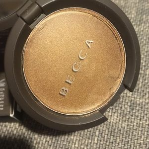 BECCA Makeup - Shimmering Skin Perfector Poured Highlighter TOPAZ